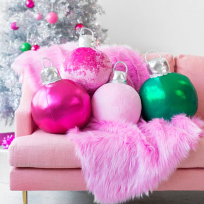DIY Fabric Christmas ornament pillows (free sewing pattern)