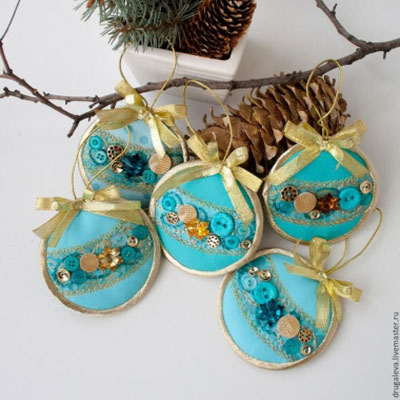 DIY Circle Christmas tree ornaments - free sewing pattern