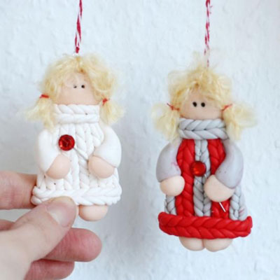 DIY Polimer clay girl keychain in knitted sweater