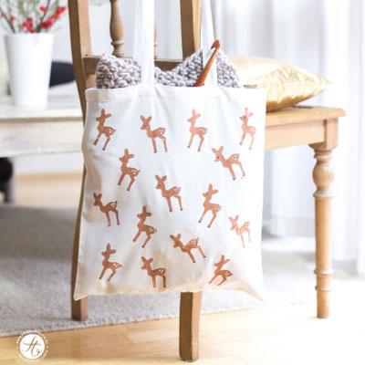DIY Fabric grocery bag with reindeer pattern - fun potato stamp craft
