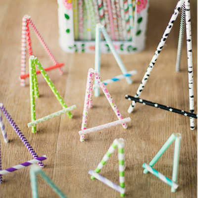 DIY Miniature paper straw easel