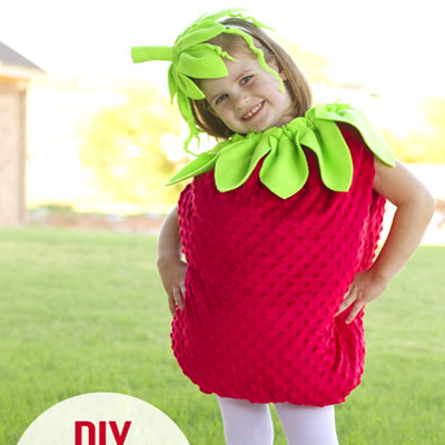 DIY Strawberry costume for kids (sewing tutorial)