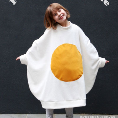 DIY Funny  fried egg costume for kids (free sewing tutorial)