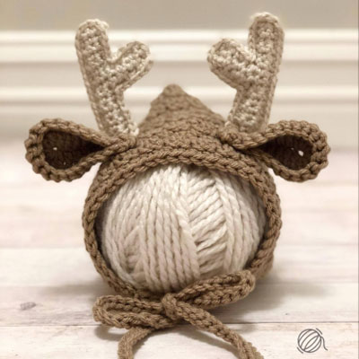 Crochet newborn deer bonnet (free crochet pattern)