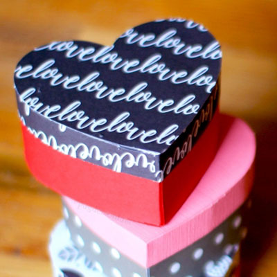 DIY heart shaped gift boxes - free printable template