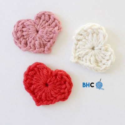 Easy and quick magic crochet hearts (free pattern)