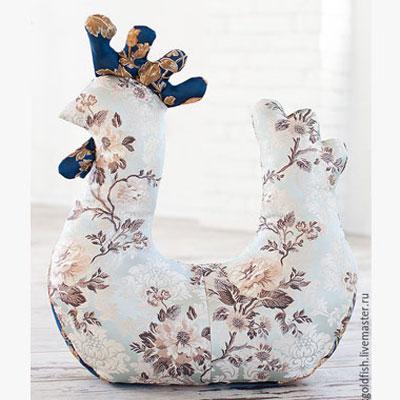 DIY Vintage (Tilda style) Easter hen decoration - free sewing pattern