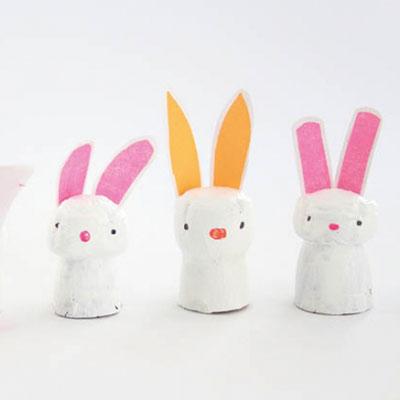 Easy DIY wine cork bunnies - Easter craft for kids