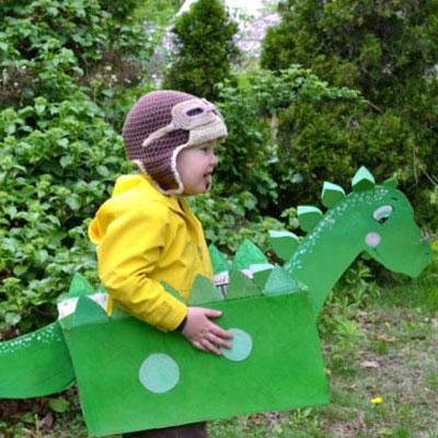 Easy DIY cardboard box dinosaur costume for kids