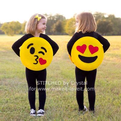 Easy DIY felt emoji costume for kids - Halloween costume