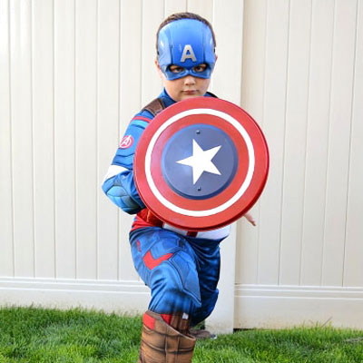 DIY Captain America shield from a garbage can lid