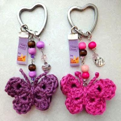 Easy crochet butterfly keychain - free crochet pattern