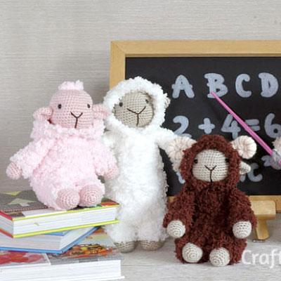 Adorable amigurumi sheep in a hoodie - free crochet pattern