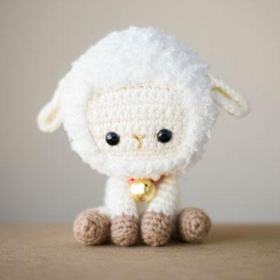 Adorable little crochet sheep ( free amigurumi pattern )