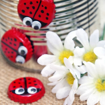 DIY Bottle cap magnet ladybugs - fun recycling craft for kids