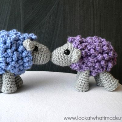 Small crochet sheep - free amigurumi pattern