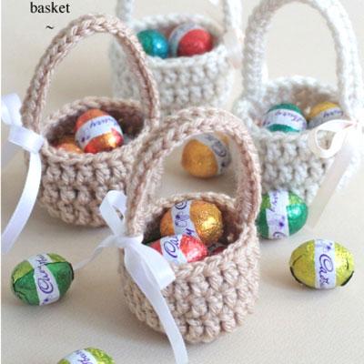 Easy mini crochet Easter baskets - free crochet pattern