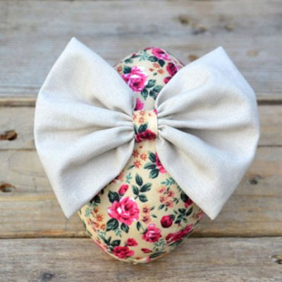 Easy DIY fabric Easter egg with bow (free sewing pattern)