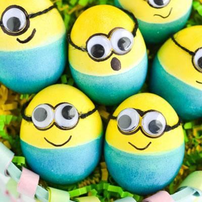 DIY Minion Easter eggs - Easter egg painting idea for kids