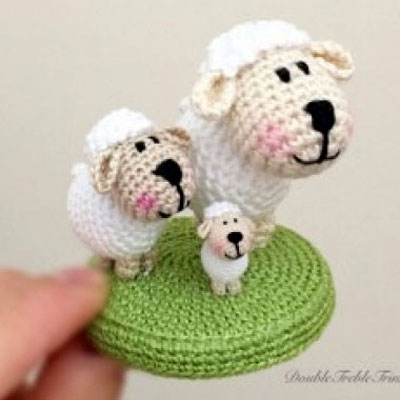 Minigurumi sheep (miniature amigurumi) - free crochet pattern