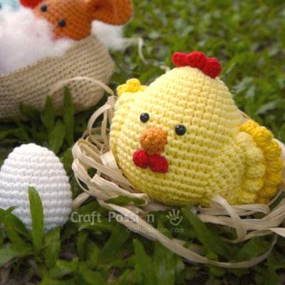 Amigurumi hen and eggs - free crochet pattern