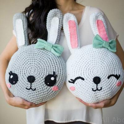 Crochet bunny pillow - kids room decor (free crochet pattern)