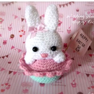 Little crochet amigurumi bunny cupcake - free amigurumi pattern