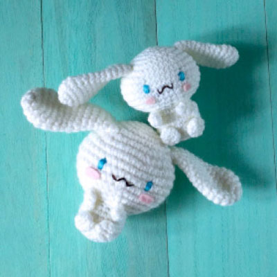 Long Eared Bunny Amigurumi - Crochet Pattern & Tutorial - Creativa ... | 400x400