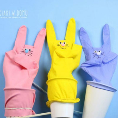 Funny inflatable bunny toy from a rubber glove - Easter craft for kids
