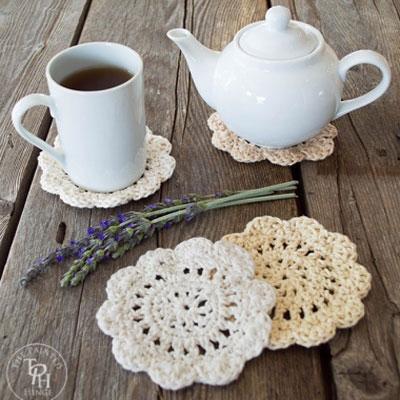 DIY Farmhouse style crochet coasters - free crochet pattern