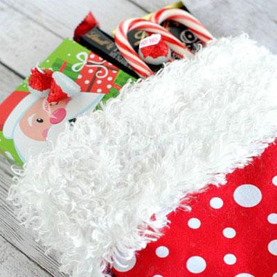 10 Minute christmas stocking tutorial