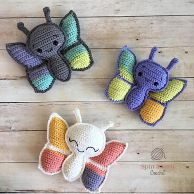 Adorable little butterfly pillows - baby toys (free crochet pattern)
