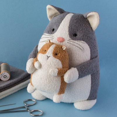 Booper the cat and her guinea pig(free sewing pattern & tutorial)