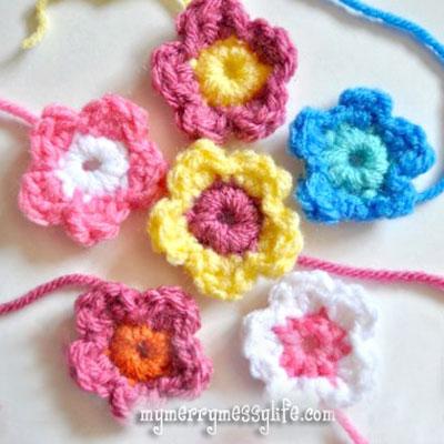 Easy small crochet flowers - free crochet pattern & tutorial