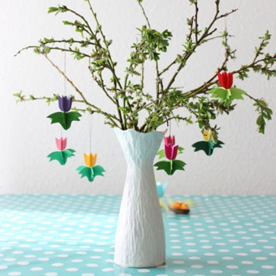 3D paper tulips - easy DIY spring flower decoration