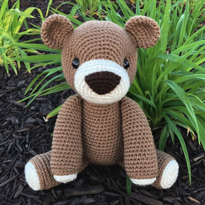 Benedict the amigurumi bear (free crochet pattern)