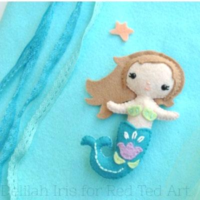 DIY Felt mermaid doll (free printable template)