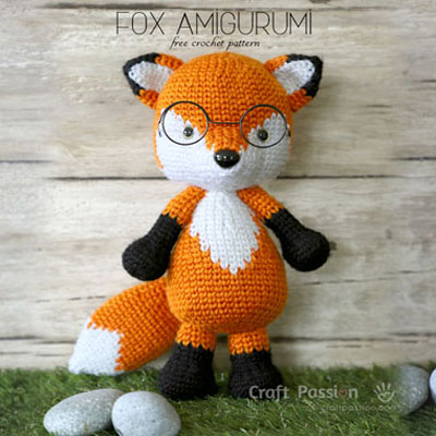 Amigurumi fox in glasses (free crochet pattern)