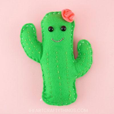 DIY Felt cactus softie (free sewing pattern)