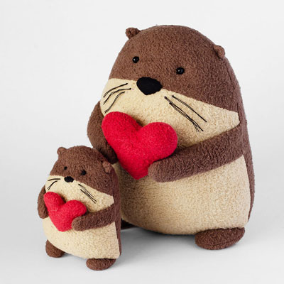 DIY Plush otter with heart (free sewing pattern)