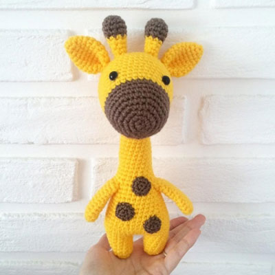 I Love Buttons By Emma: Crochet Giraffe Pattern | 400x400