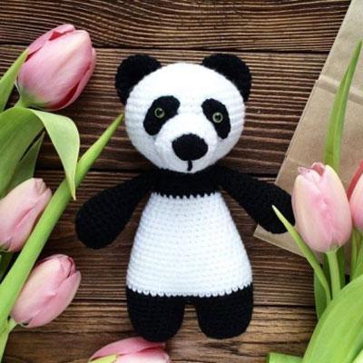 Easy little amigurumi panda bear (free crochet pattern and video tutorial)