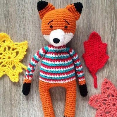 Amigurumi fox in striped sweater (free crochet pattern and video tutorial)d