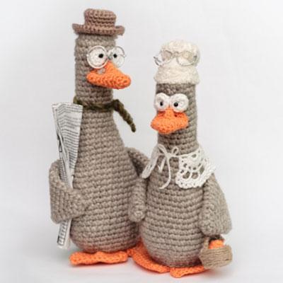 Mother goose - amigurumi goose (free crochet pattern)