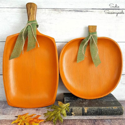 DIY Repurposed wood tray fall pumpkin decor - autumn craft