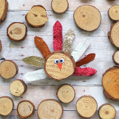 DIY Wood slice turkey - fun fall craft for kids