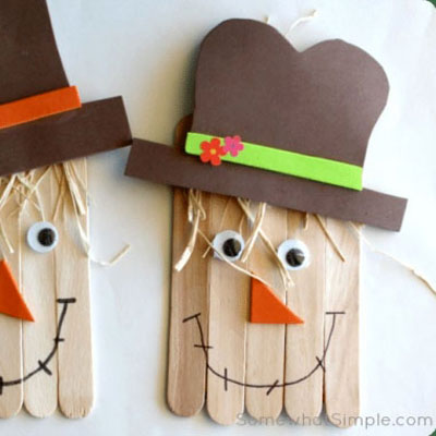 DIY popsicle stick scarecrow - fun fall craft for kids
