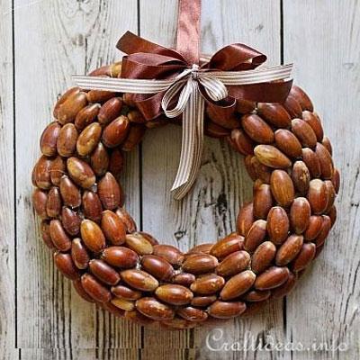 DIY Acorn wreath - easy DIY fall wreath