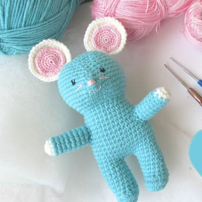Little blue amigurumi mouse (free Hungarian crochet pattern)