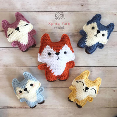 Adorable little pocket fox (free crochet pattern)